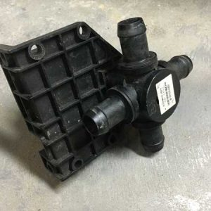 Tesla 4-way valve back 6007370-00-B