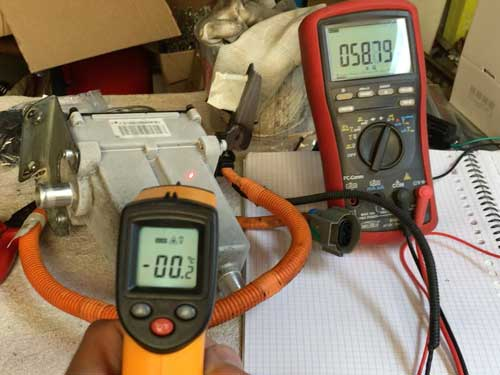 Tesla battery heater thermistor measurement